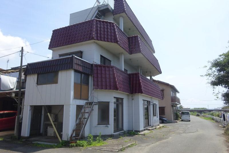 久沢 3階建 中古住宅 690万